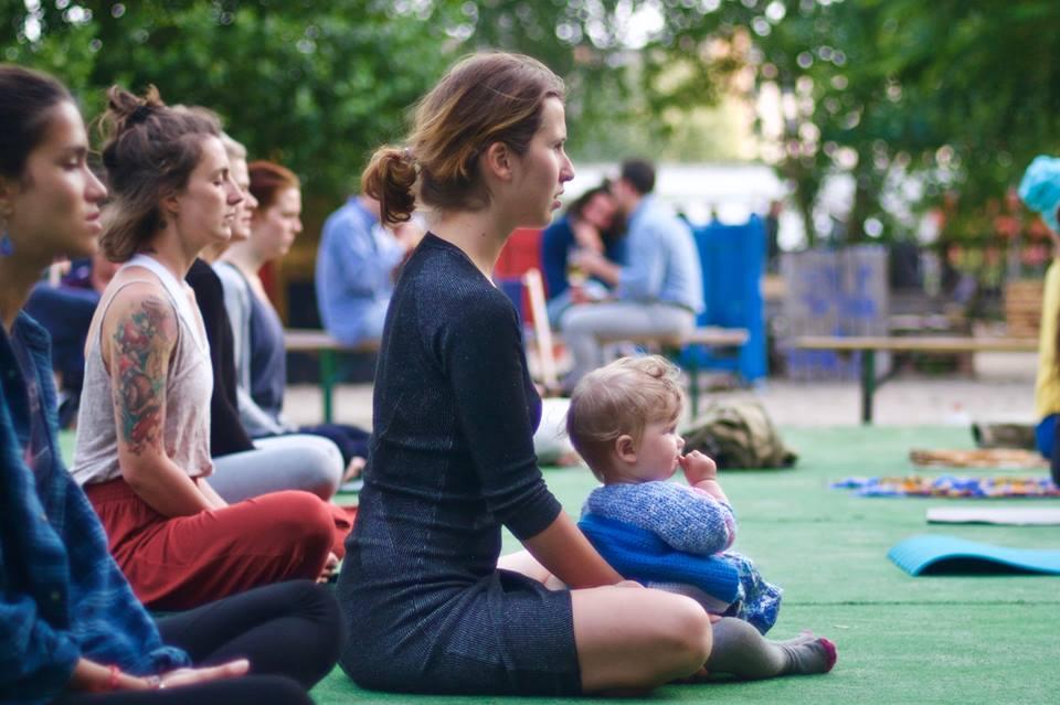 corsi di yoga post parto